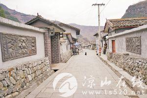 河坎村干净整洁的村道。.jpg
